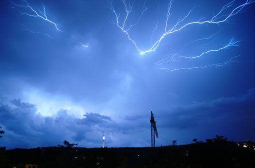 Gewitter: Auch in Stuttgart kann es am Montag krachen
