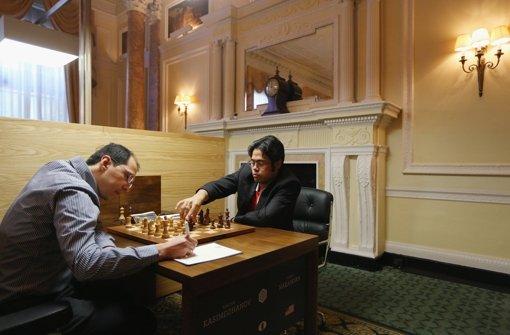 Duell am Brett Hikaru Nakamura (re.) gegen Rustam Kasimdzhanov. Foto: Getty