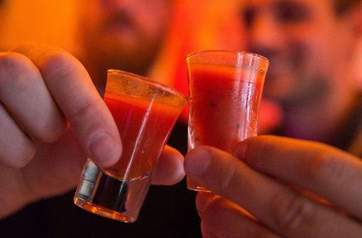 Schnaps als Protest: Das Hamburger Kultgetränk ist ein scharfer Tomatenschnaps. Foto: dpa