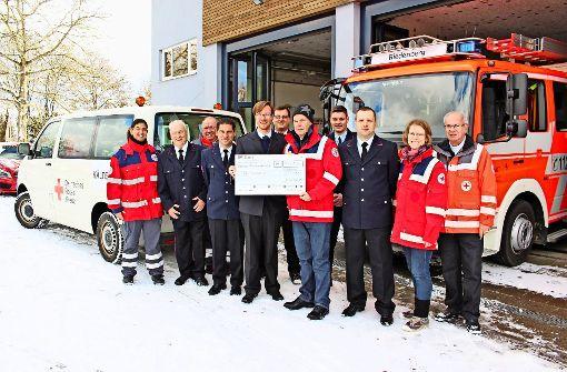 Feuerwehr spendet 3150 Euro für Kältebus