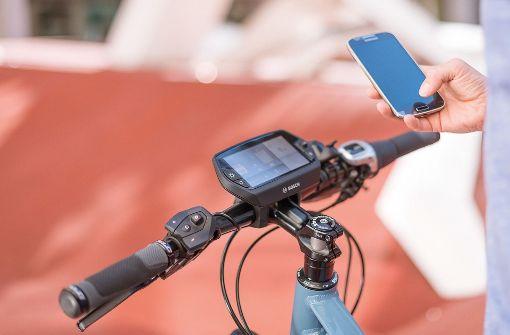 Bosch eBike Systems plant die Übernahme von Cobi, ein Start-up im Bereich Connecting-Biking, bei dem das Smartphone eine wichtige Rolle spielt. Foto: Bosch