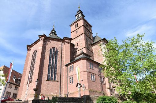 Blick auf die Wallfahrtsbasilika in Walldürn – eine Kapelle wurde durch einen Brand zerstört. Foto: dpa