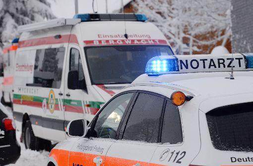 Eine Alpinistin ist bei einem Lawinenunglück in Vorarlberg ums Leben gekommen (Symbolbild). Foto: dpa