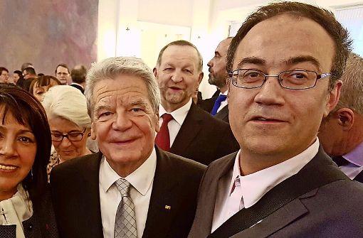 Selfie mit dem Staatsoberhaupt: Isaac González (rechts) war in Berlin. Foto: privat