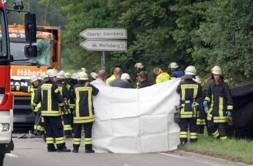 Schwerer Unfall in Nagold: Müllwagen kippt um und tötet fünf Menschen