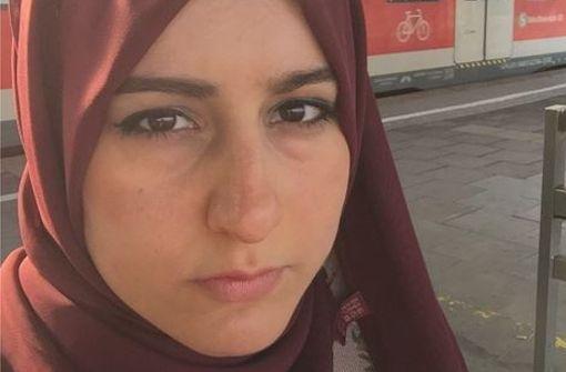 Stuttgarter eilen muslimischer Bloggerin zu Hilfe