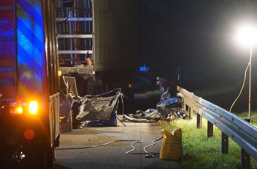 27-Jähriger fährt auf Sattelzug auf und verunglückt tödlich