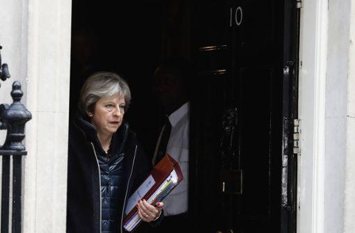 Harter Kurs gegen Russland: Großbritanniens Premierministerin Theresa May verweist russische Diplomaten des Landes. Foto: AP