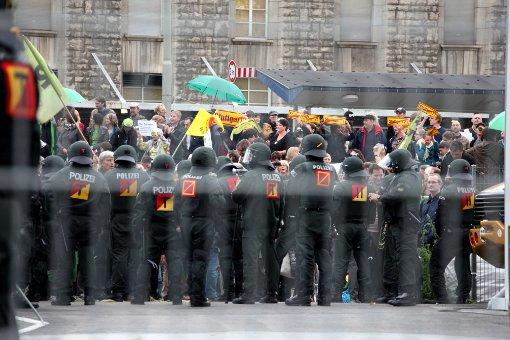 Der Polizeieinsatz auf der Montagsdemo am 20. Juni. Foto: Beytekin
