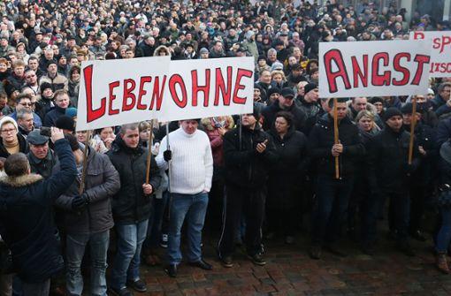 Im Jahr 2016 gingen viele Russlanddeutsche auf die Straße nach der angeblichen Vergewaltigung des Mädchens Lisa durch  Flüchtlinge. Die Meldung stellte sich als falsch heraus. Foto: dpa