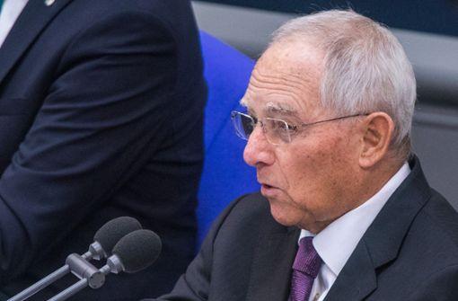 Schäuble mahnt und Weidel cremt sich ein