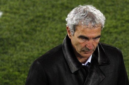 Harte Zeiten für Raymond Domenech: Gegen den französischen Trainer wird offen gemeutert. Foto: AP