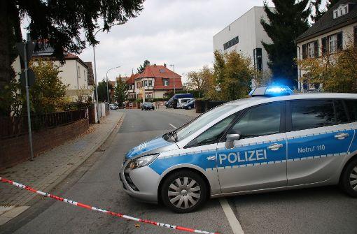 Polizei schießt auf bewaffneten Mann und tötet ihn