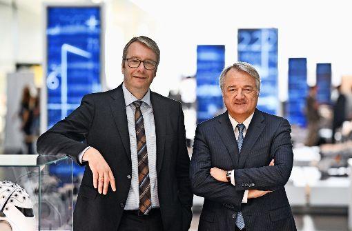 Ein Bild aus guten Tagen:  Stefan Sommer (links) und Finanzchef  Konstantin Sauer Foto: ZF