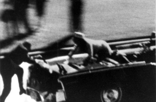 John F. Kennedy: US-Präsident John F. Kennedy wurde am 22. November 1963 in Dallas wahlweise von der Mafia, Vizepräsident Lyndon B. Johnson, der CIA, dem FBI oder Exil-Kubanern ermordet. Foto: AP