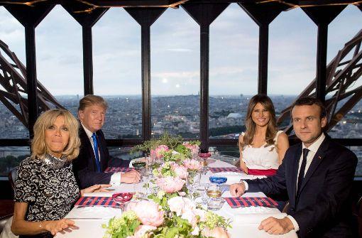 Dinner im Eiffelturm für US-Präsident und Frau Melania
