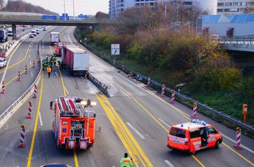 Bis zu zehn Kilometer Stau nach Lkw-Unfall auf Höhe Möhringen