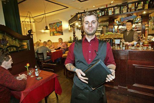 Stefano Esposto, der neue junge Chef am Nürtinger Schillerplatz Foto: Ines Rudel