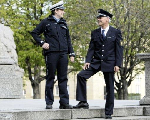 Die Polizei wird blau