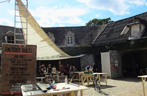 Werkstatt im Hof des Schlosses. Foto: Birgit Holzer