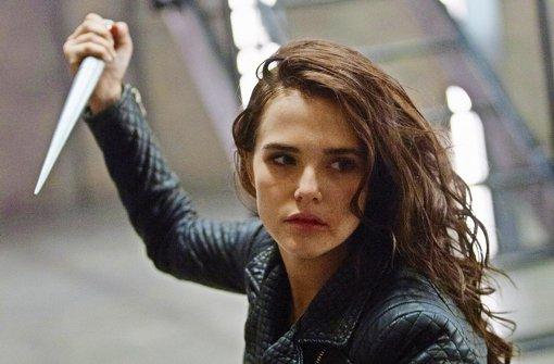 Muss sich verteidigen lernen: Zoey Deutch in Vampire Academy. Foto: Universum