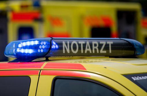 Zwei Arbeiter stürzen von Gerüst und verletzten sich schwer