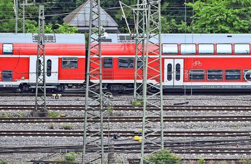 Wenn sie mal fahren...Züge auf dem Vorfeld des Stuttgarter Hauptbahnhofs. Foto: dpa