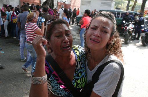 Fast 70 Tote bei Feuer nach Häftlingsmeuterei