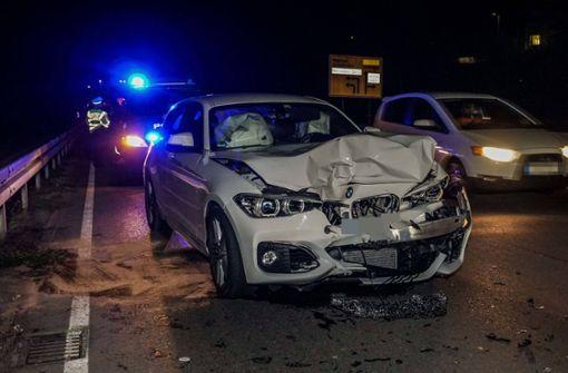 20-jähriger Autofahrer verursacht heftigen Auffahrunfall