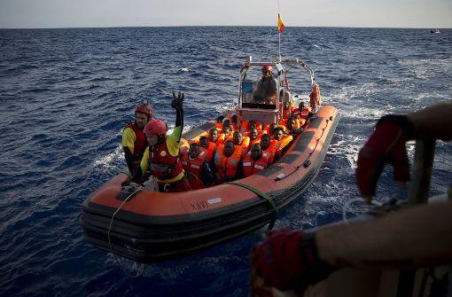 Rechtsextremisten wollen Boote stoppen