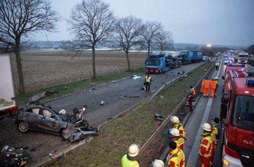 Alle drei Insassen des Wagens kamen ums Leben. Foto: 7aktuell.de/Heckel