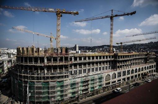 Richtfest: Das neue Einkaufszentrum Gerber an der Paulinenbrücke   soll im September 2014 eröffnen. Foto: Leif Piechowski