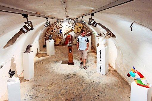 Zum Kunsttag in Münchingen gehört  Kunst in Form von  Objekten, ausgestellt  ...auch die Kunst der Musik in  den Straßen der Stadt. Foto: factum/Granville