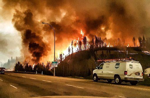 Feuerwehr befürchtet Ausbreiten der Feuer