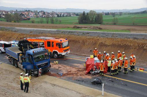 Der Unfall auf der B14 endete tödlich. Foto: Andreas Rosar Fotoagentur-Stuttg