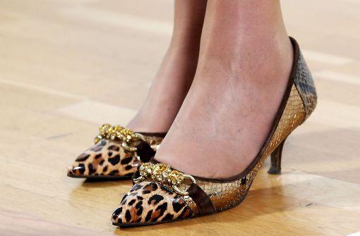 Darauf sollen Frauen mit hohen Schuhen achten