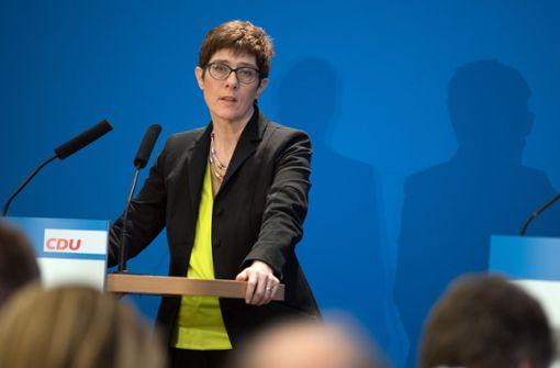 Kramp-Karrenbauer will keinen Wahlkampf gegen andere machen
