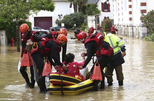 Die Helfer in Baden-Württemberg waren unermüdlich im Einsatz. Foto: AP
