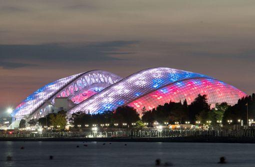 Olympiastadion Sotschi: bStadt:/b Sotschi, bZuschauer:/b 47.659, bEröffnung:/b April 2013 (für die Olympischen Spiele), binteressante Spiele:/b Deutschland-Schweden Foto: dpa