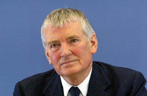 Schily kritisiert Zwanziger erneut scharf