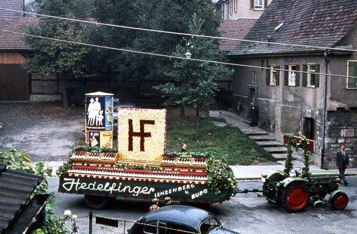 Der sogenannte Farrenstall neben der Kelter: Dort wurden früher die gemeindeeigene Zuchtbullen gehalten. Heute steht an dieser Stelle das   Feuerwehrgerätehaus. Foto: Altes Haus Hedelfingen