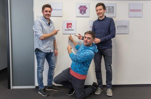 """Tobias Haas, Hannes Rang und Florian Fink (von links nach rechts) haben die App """"Flurfunk"""" entwickelt. Foto: 7aktuell.de/Herlinger"""