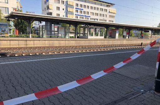 Am Montagmorgen wurde der Zugverkehr wegen eines Personenunfalls am Bahnhof Fellbach eingestellt. Foto: SDMG