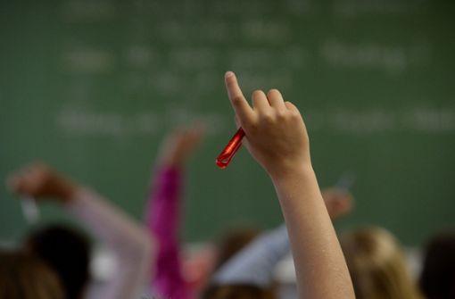 Wie viel Unterricht fällt aus? Eltern haben selbst nachgeforscht. Foto: dpa