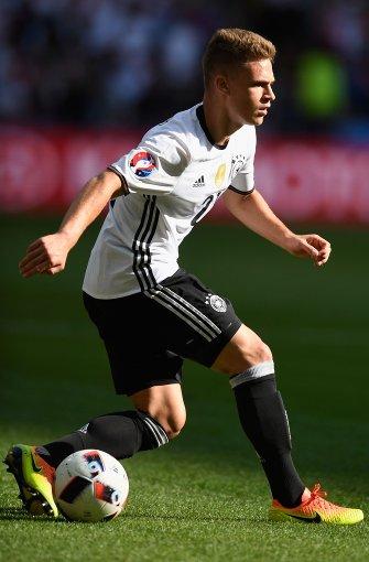 Seine ersten Gehversuche auf dem Platz unternahm Kimmich beim VfB Bösingen. Im Alter von zwölf Jahren wechselte er in die Jugendabteilung des VfB Stuttgart.  Foto: Getty Images Europe
