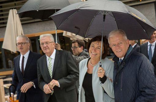 So feiern Kretschmann und Kuhn das neue Einkaufsareal
