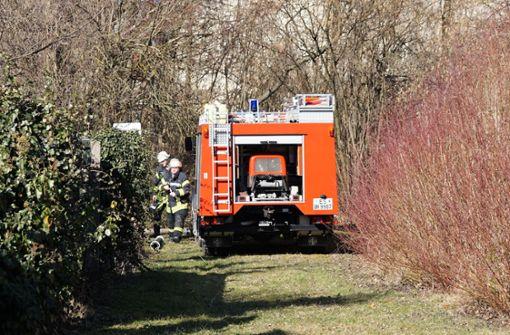 Zu dem Schwelbrand in der Papierfabrik rückten 21 Feuerwehrkräfte aus. Foto: SDMG