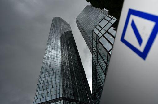 Deutsche und Postbank wollen 1000 Stellen streichen
