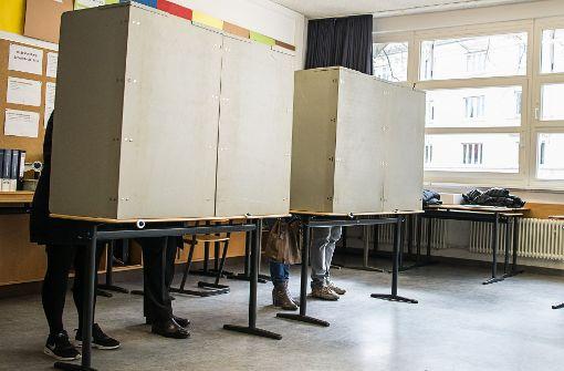 Smartphones in Wahlkabinen sollen verboten werden