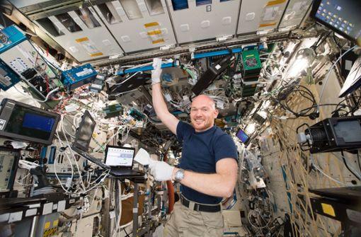 Alexander Gerst findet Diskette für Windows 98 auf ISS